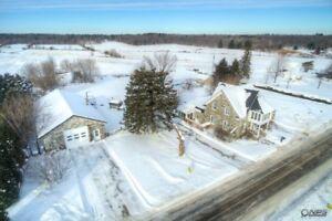 Champlain, domaine agricole à vendre avec vue sur le Fleuve St-L