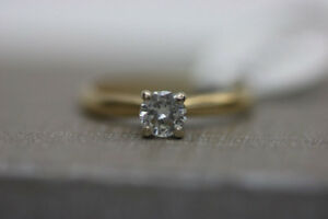 **SO PRETTY** 14k Yellow Gold Engagement Ring Size 5 (#16778)