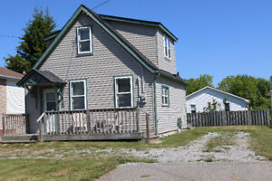 Port Dover Retreat:  1Km from Downtown Port Dover