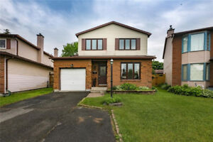 *Amazing Single Family Home in Barrhaven*