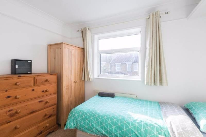 CHEAP DOUBLE ROOM IN NORTH GREENWICH!!