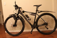 Brand New Cube Acid 29er 2015 with a lot of Accessories and Part