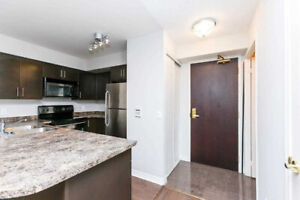 MODERN 1 + DEN DOWNTOWN CONDO + PARKING & LOCKER (YORK&BREMNER)