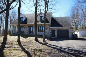 Maison canadienne, 4 chambres et un grand terrain
