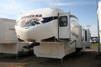 2011 MONTANA 3665RE REAR ENTERTAINMENT EXTRA CLEAN
