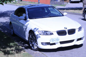 2008 Coupe BMW 328XI / White Pearl and Red leather / Local / Gre