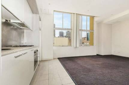 Spacious 1BR apartment in CBD, washer/dryer included Melbourne CBD Melbourne City Preview
