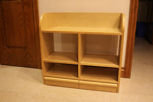 Wooden shoe rack with 2 drawers