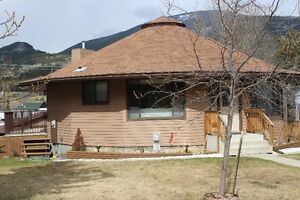 3 BEDROOM HOME IN BLAIRMORE, CROWSNEST PASS