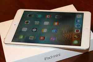Apple iPad mini 1st Generation A1432 16GB, Wi-Fi, White   West Island Greater Montréal image 1