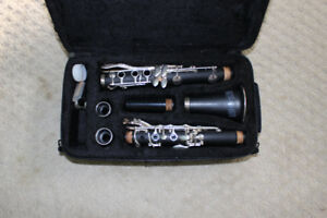 Like New Clarinet and Accessories