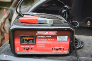 MotoMaster 100/15/2A Battery Charger with engine start