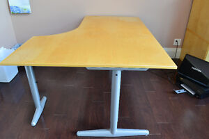 Contemporary Corner Desk perfect for working at home Kawartha Lakes Peterborough Area image 1