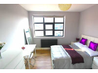 Spacious and bright double room available now to rent in Leyton