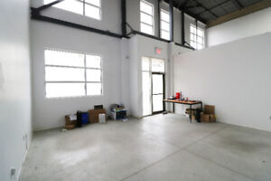21ft High Ceiling Industrial Unit W/ 2 Drive-in Doors for Lease
