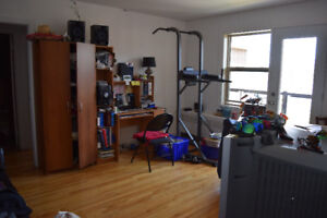 3 and a half for rent in Pointe-Claire