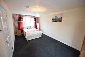 STUNNING ROOM IN BRACKNELL TOWN CENTRE