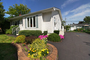 29 Tobin. Ideal home in an ideal location!