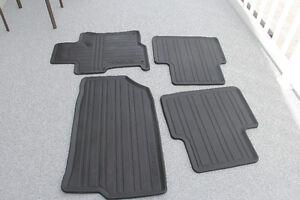 tapis de marque Honda plus le tapis pour le coffre
