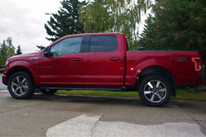Extremely low km's 2016 Ford XLT F150 4X4