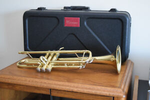 Bach Aristocrat TR-600 Student Trumpet With Hard Case
