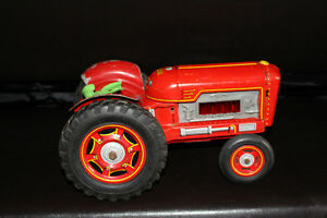 Collectible Vintage Red Tractor Tin Toy!!! Farmighty. London Ontario image 1