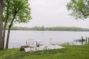 731B County Road 9 Napanee. Aug 1. 3 Bedroom Waterfront $2000+