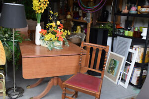 Duncan Fife Table plus 2 leafs; 6 chairs that match