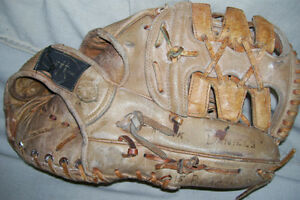 CUSTOM BUILT PROFESSIONAL MODEL LEATHER INFIELDERS GLOVE London Ontario image 4