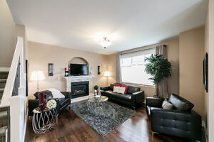 ONLY STEPS FROM MILL CREEK RAVINE!! 3000 sq ft FULLY FINISHED! Edmonton Edmonton Area image 2