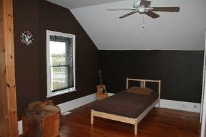 Short-Term Rental/Vacation Rental in Lindsay - Weekly or Monthly Kawartha Lakes Peterborough Area image 5