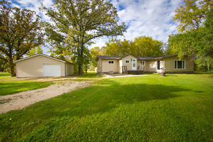 House for Sale: 25111 Ashfield Road, South St. Clements, MB