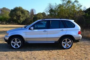 2005 BMW X5 3.0. Loaded.  Nice inside out