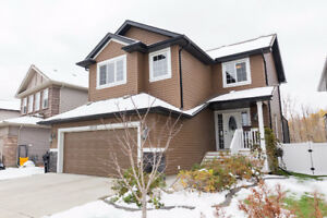 LIVE IN LUXURY. GORGEOUS FURNISHED HOME IN SHERWOOD PARK