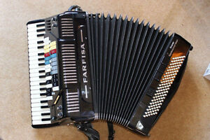 Accordeon/Accordion with Stand