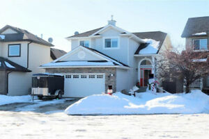 IMMACULATE TIMELESS HOME IN BLACKMUD CREEK!
