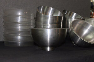 Hot/cold serving bowl with insert. Moose Jaw Regina Area image 1