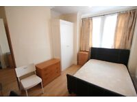 Good size double room close to Hendon tube and Middlesex Uni
