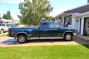 1997 GMC 3500 454 7.4 Vortec, Auto 65,765 kms, 5th Wheel hitch