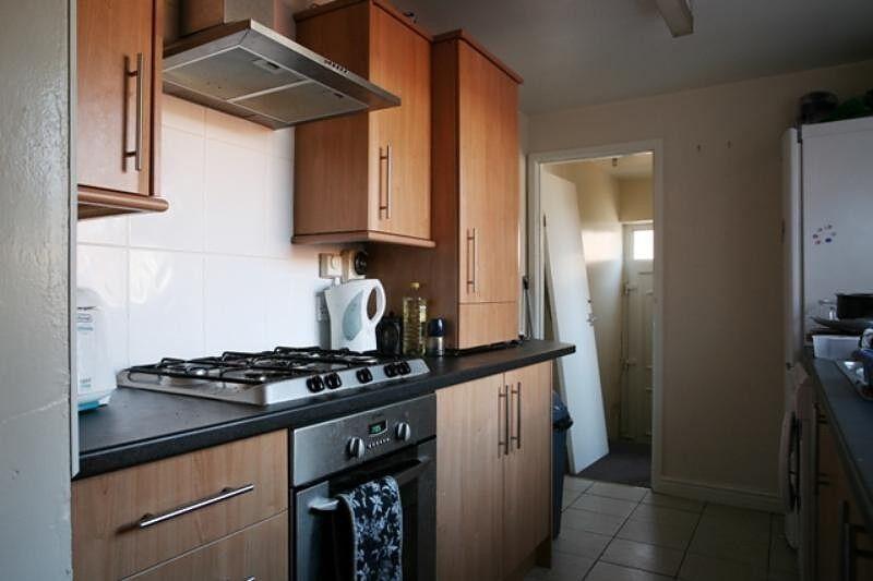 5 bedroom flat in Kelvin Grove, Sandyford, Newcastle Upon Tyne, NE2
