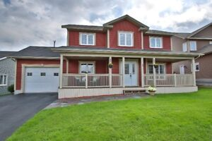 MATICULOUS 3 BED SINGLE FAMILY, HOT TUB, ENSUITE, FENCED