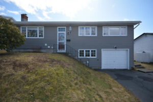 NEW PRICE! 46 Elwin Cr. 4bdr's, Garage, Nice Yards, Great Area!