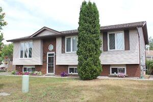 BEAUTIFUL MINNOW LAKE HOME - IN LAW / HOME BUSINESS POTENTIAL