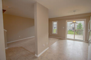 GREAT 3 BED TOWNHOME! SPACIOUS! DESIRABLE LOCATION! AVAIL DEC 1 Kitchener / Waterloo Kitchener Area image 10
