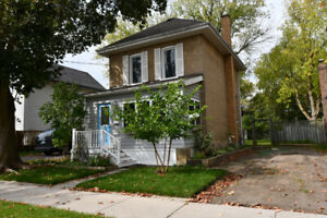 2 STOREY HOME - CLOSE TO ALL AMENITIES!