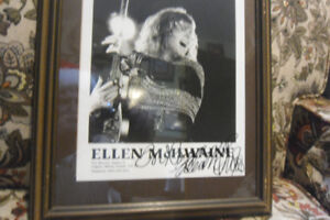 ELLE MCILWAINE SIGNED PICTURE