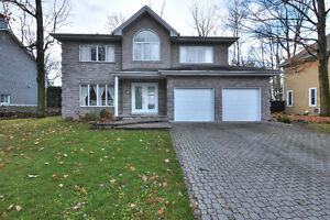 Executive home!  (West Island / Salaberry-de-Valleyfirled)