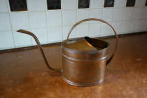 Antique Copper watering can / arrosoir en cuivre