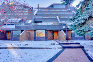 2 storey town home in the heart of YYC's Lower Mount Royal