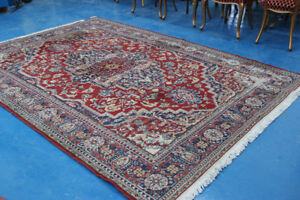 Beautiful Wool Rug 9 ft x 6.5 ft.